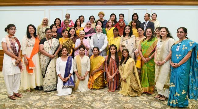 Narendra Modi with the recipients of Nari Shakti Puraskar 2016