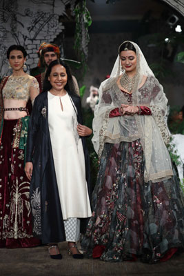Dia Mirza walks down ramp in India Couture Week 2017