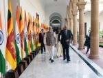 PM Modi with Sri Lankan PM Ranil Wickremesinghe