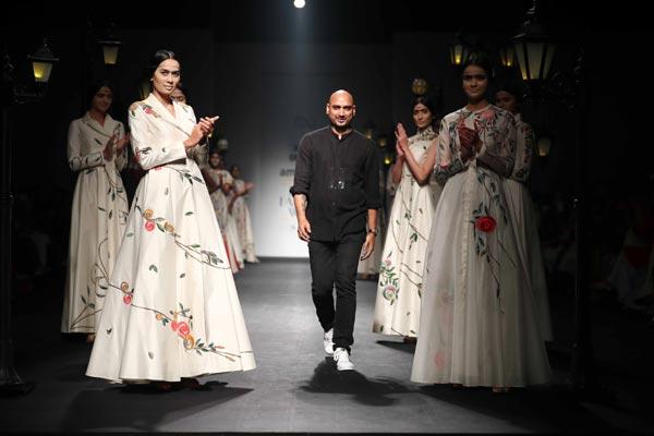 Designer Samant Chauhan displays his Spring Summer at AIFW