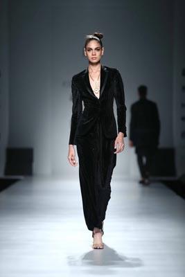 Ashish N Soni sets floor on fire at Amazon India Fashion Week