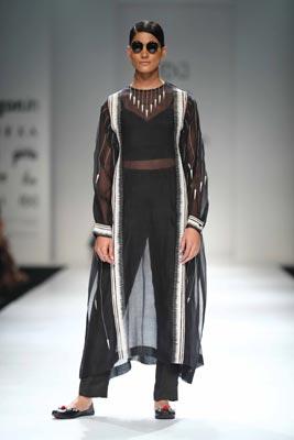 Amazon India Fashion Week:Ragini Ahuja showcases her collections