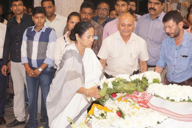 Kalika Prasad Bhattacharjee's last rites performed in Kolkata