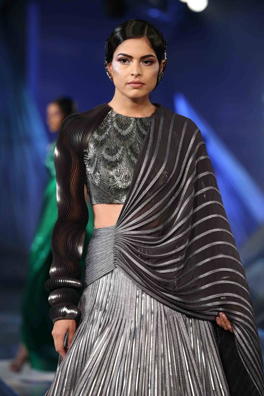 Shilpa Shetty walks for Amit Aggarwal in India Couture Week