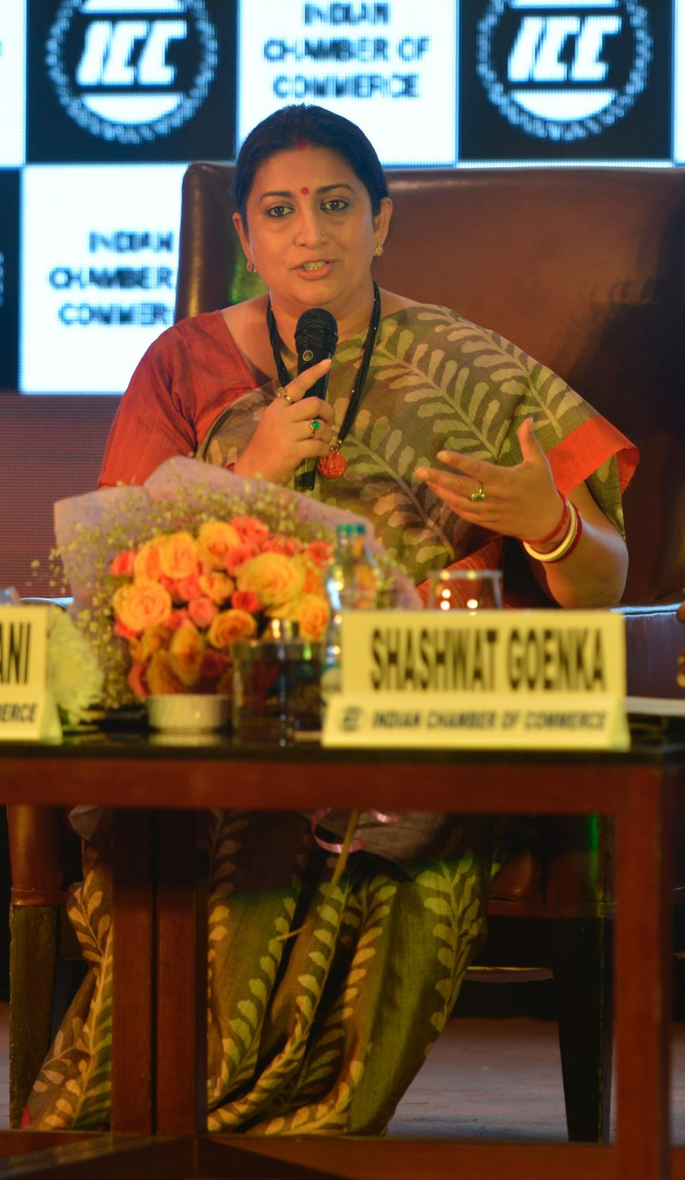 Smriti Irani visits Kolkata, holds interactive session on textile ministry