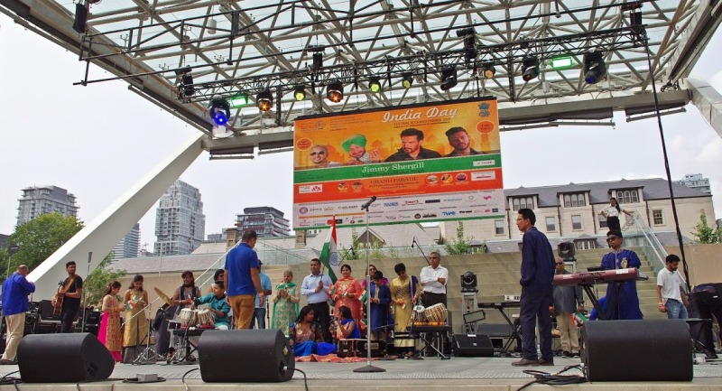 Toronto's India Day Parade pays tribute to Indian multiculturalism