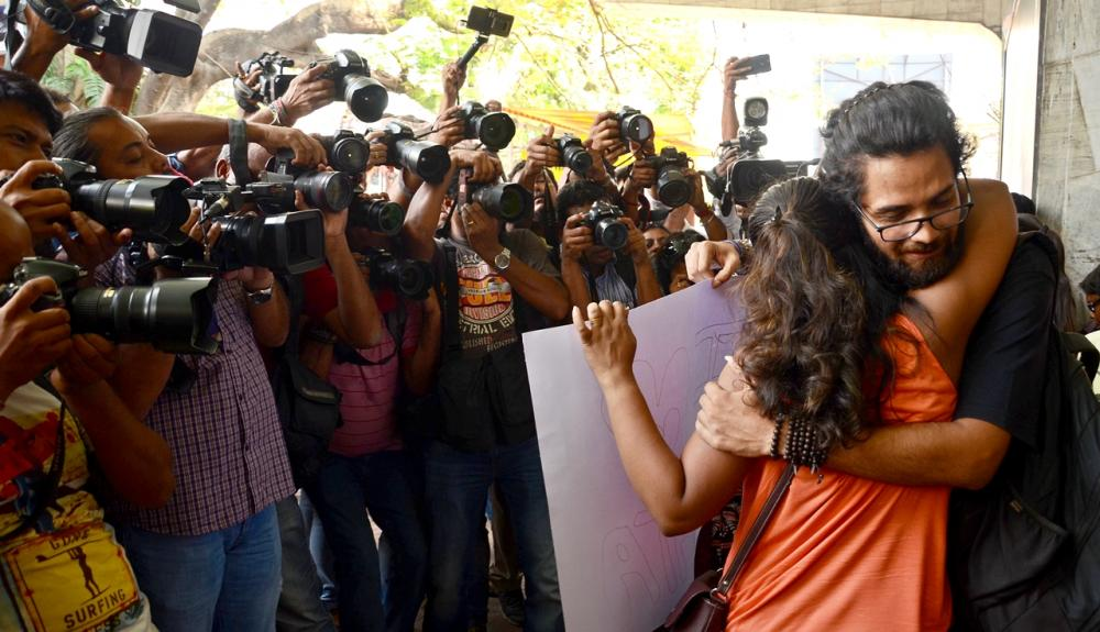 Kolkata metro harassment: Protesters indulge in hugging at Tollygunge station