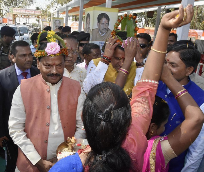 Jharkhand CM gets traditional welcome