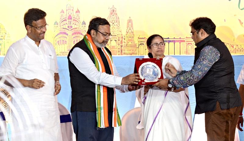 Mamata Banerjee inaugurates Kolkata Press Club's Platinum Jubilee Celebration