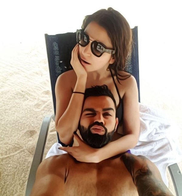 Virat Kohli, Anushka Sharma spend fun time on beach