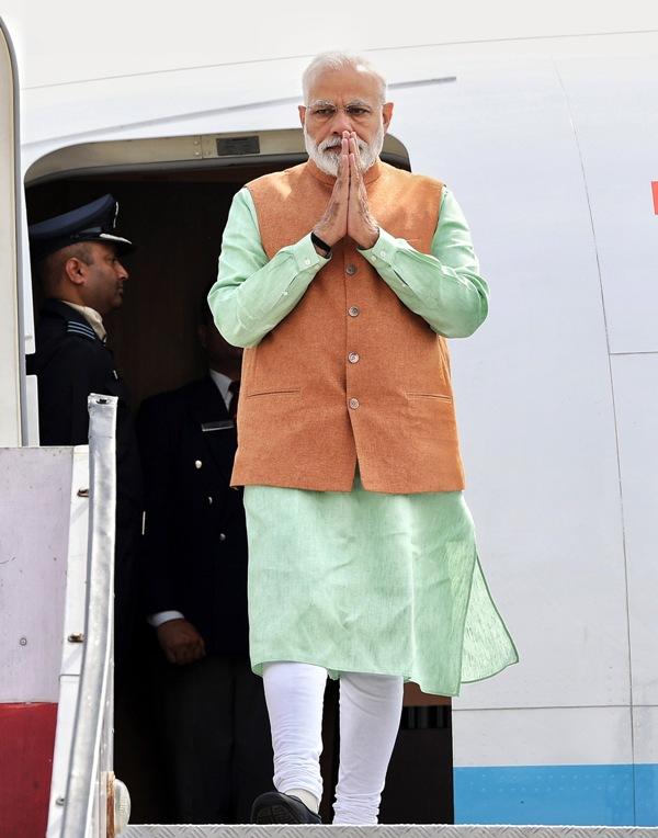 Narendra Modi launches PMKISAN scheme in Gorakhpur