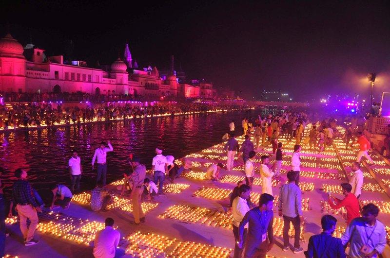 Ayodhya brightens up on Deepotsav