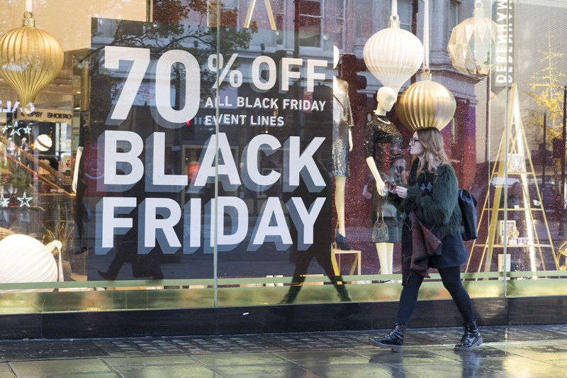 London witnesses Black Friday sale