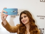 Mouni Roy takes selfie as she promotes OnePlus brand in Kolkata