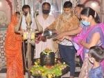 Mathura: Devotees worshiping Lord Shiva