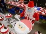 Bakery house makes 90,000 Santa Cake for Christmas
