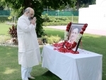 Amit Shah paying floral tribute to Pt. Deendayal Upadhyaya
