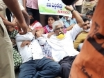 Left protests against Centre's farm laws