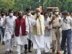 Yashwant Sinha hands over memorandum to Bihar Guv over Bihar flood