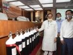 Patna: Bihar Legislative Council chiarman Awadhesh Narain Singh inaugurates oxygen cylinder bank