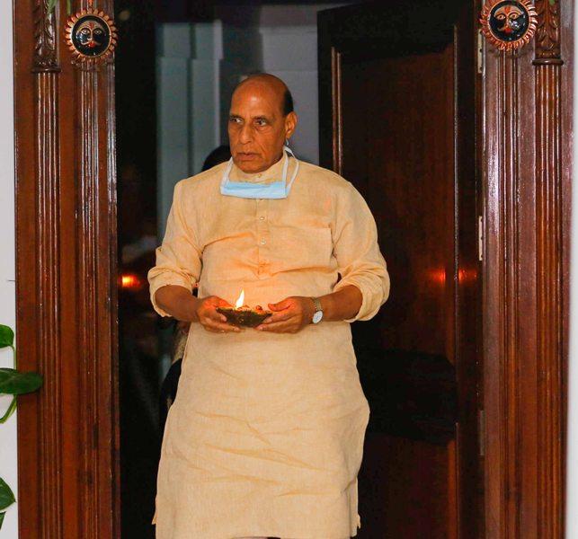 COVID-19: India responds to Modi's 9Minute9PM blackout