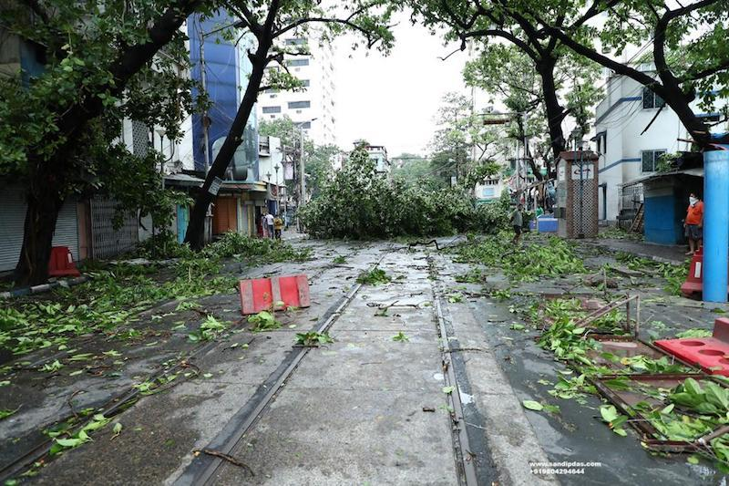 Cyclone Amphan leaves trail of devastation in West Bengal capital Kolkata