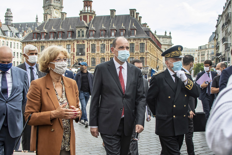 Covid-19: French PM visits Lille