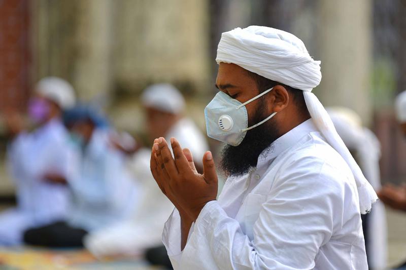 New Delhi: Muslim devotees offer prayers at Jama Masjid on Eid-ul-Adha