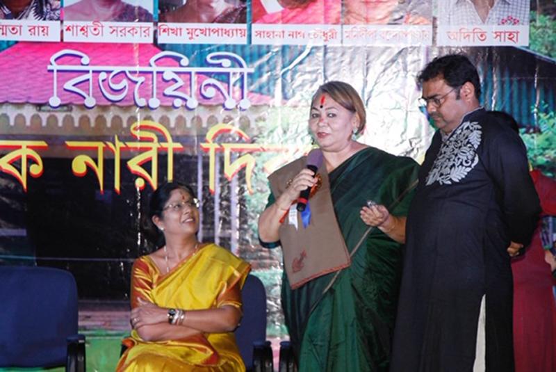 Press Club, Kolkata felicitates 8 women journalists and photo journalists on Women's Day