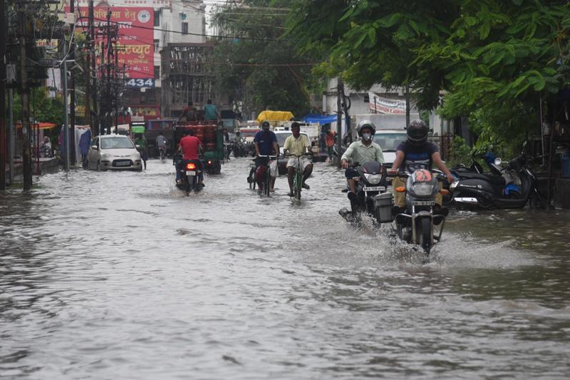 Heavy rains flood Patna roads