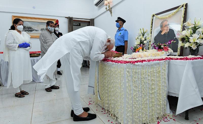 PM Narendra Modi pays tribute to Pranab Mukherjee