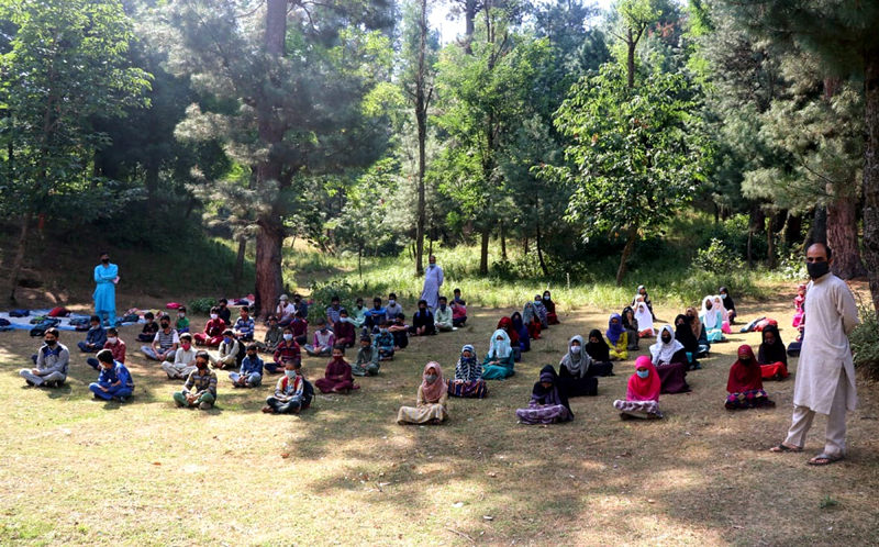 An open air community School established by the study lovers in Didikoot
