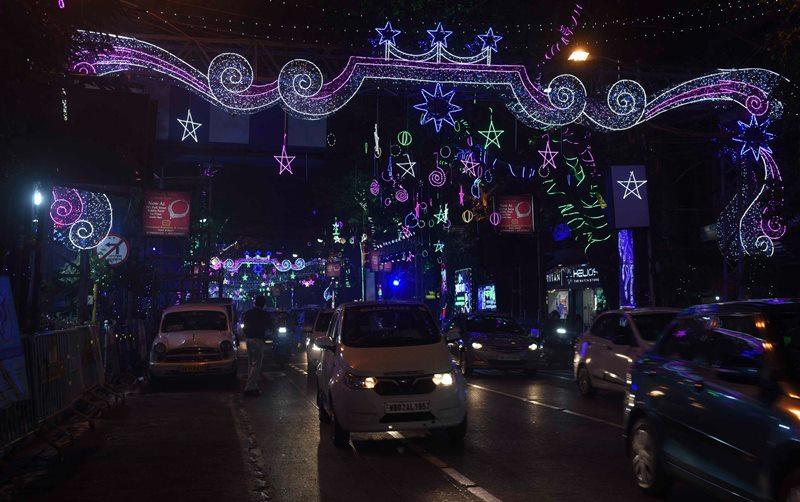Mamata Banerjee inaugurates Christmas fair in Kolkata