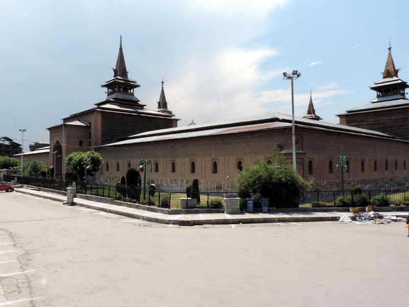 Covid: Main gate of historic Jamia Masjid in Nowhatta down town Srinagar closed