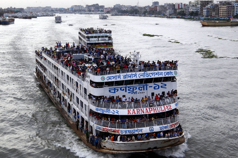 Bangladesh celebrates Eid: Ferries packed with homebound travelers