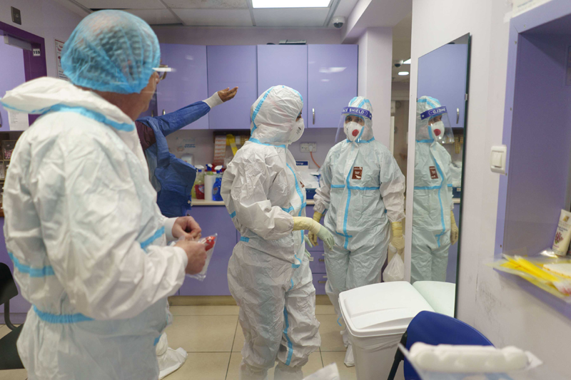 COVID19: Israeli medical workers wearing protective gears