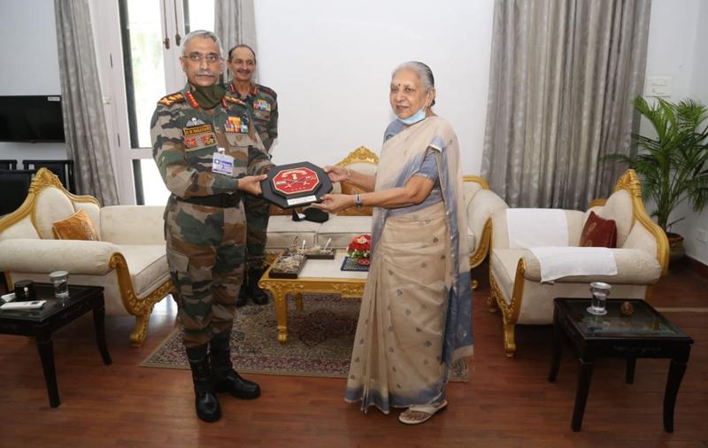 Manoj Mukund Naravane meets Uttar Pradesh Governor Anandiben Patel