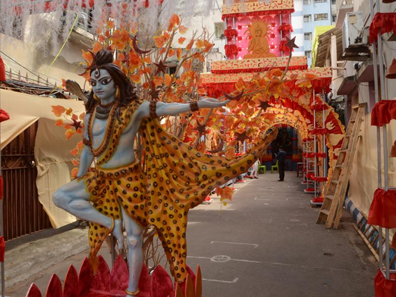 Durga Puja 2020 in Kolkata amid Covid-19