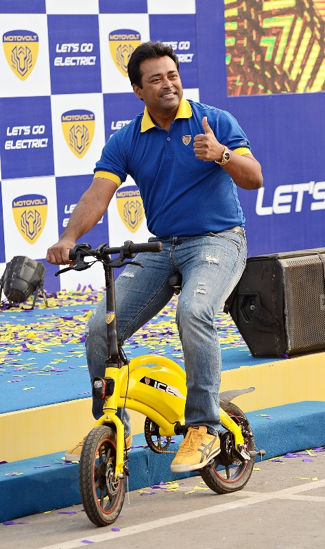 Leander Paes launches Motovolt Mobility's fleet of smart e-cycles in Kolkata