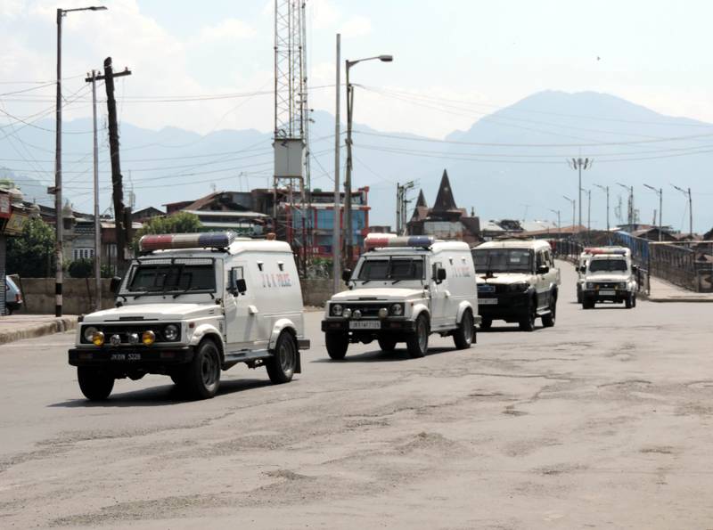 Article 370 Scrapping Anniversary: Security forces keping strict vigil at Budshah Bridge in Srinagar