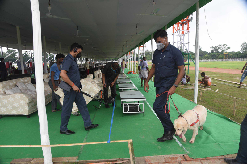 I-Day eve: Security personnel checking the Gandhi Maidan