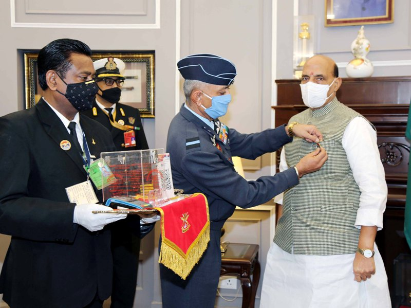 Rajnath Singh makes contribution to Armed Forces Flag Day Fund