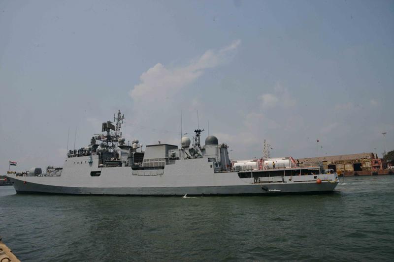 INS Talwar with 40 metric ton liquid medical oxygen arrives from Manana Bahrain at Mangaluru Port