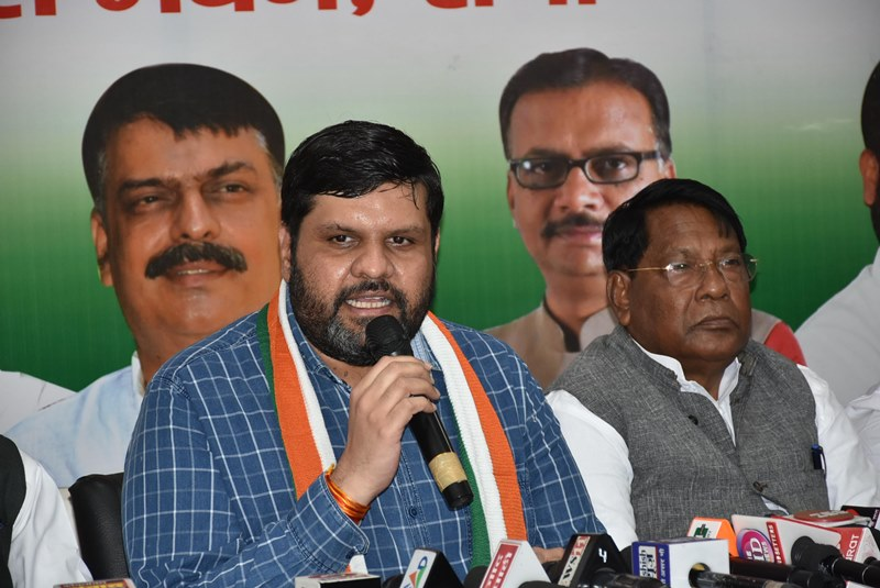 Congress addresses press conference against fuel prices in Ranchi