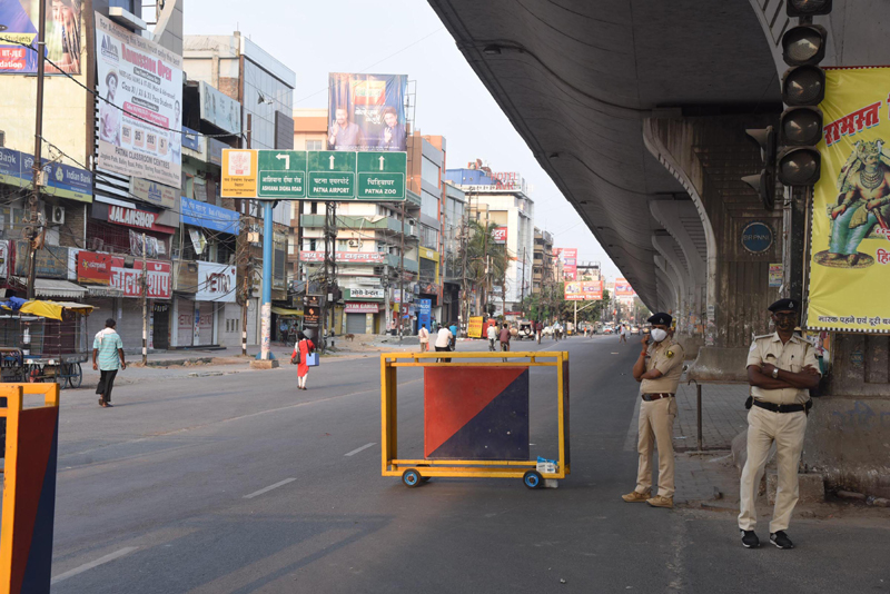 Patna: Police stand guard during total lockdown