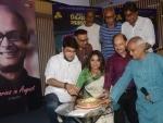 Prosenjit Chatterjee joins celebration of late Rituparno Ghosh's 58th birth anniversary