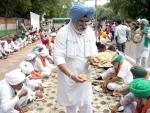 Farmers protest at Jantar Mantar