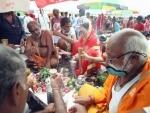 Devotees offer milk to Shivalingam at Prayagraj