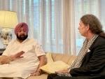 Amarinder Singh talking with German Ambassador to India