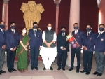 Rajnath Singh meets team of Jawahar Institute of Mountaineering & Winter Sports